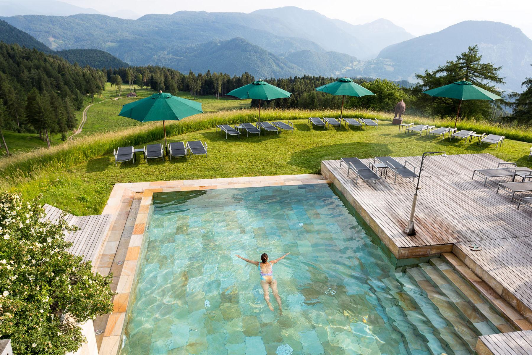Hotel mit schwimmbad in s dtirol berghotel zirmerhof for Dusseldorf hotel mit pool